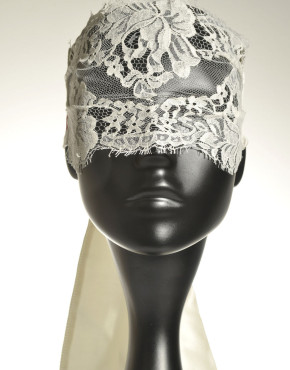 "Eye Mask ""Risqué Temptation"" - Ivory"